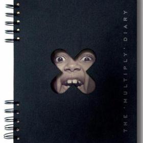 Дизайн обложки ежедневника на пружине с вырубкой