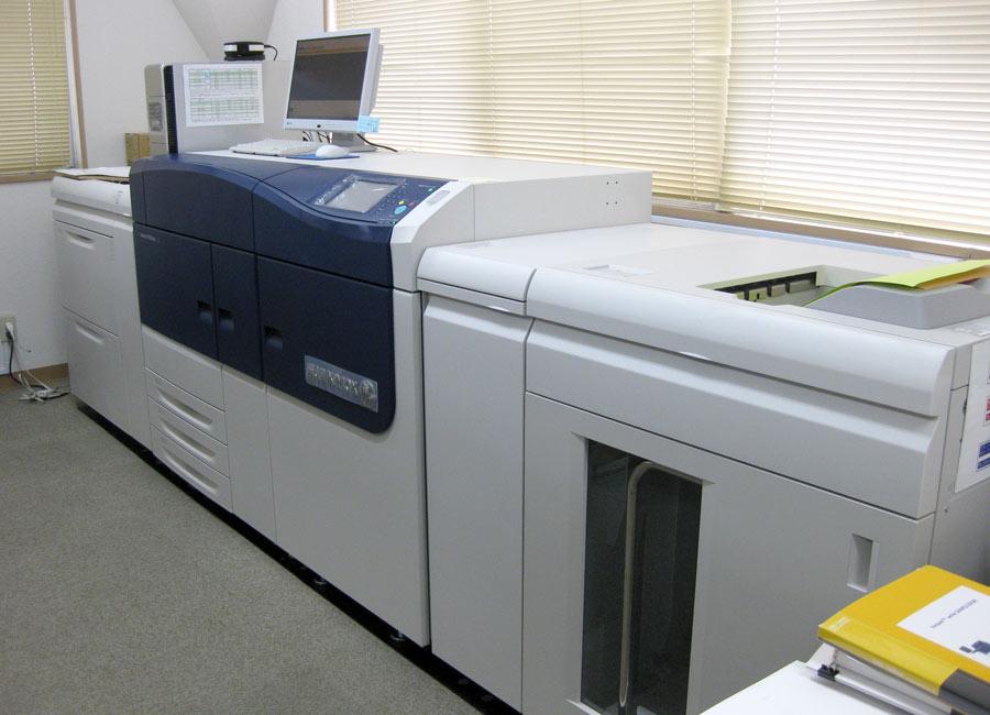 Цифровая печатная машина (ЦПМ) для печати каталогов на профессиональном уровне