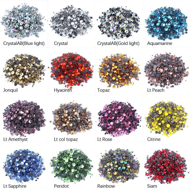 Стразы разных цветов для рукоделия.